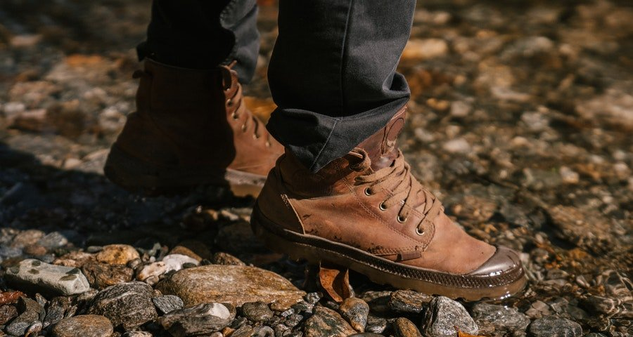 best hiking shoes for overweight women-men